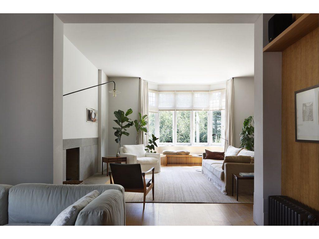 10-light-filled-living-rooms-designed-by-london-based-interior-designers-we-love16