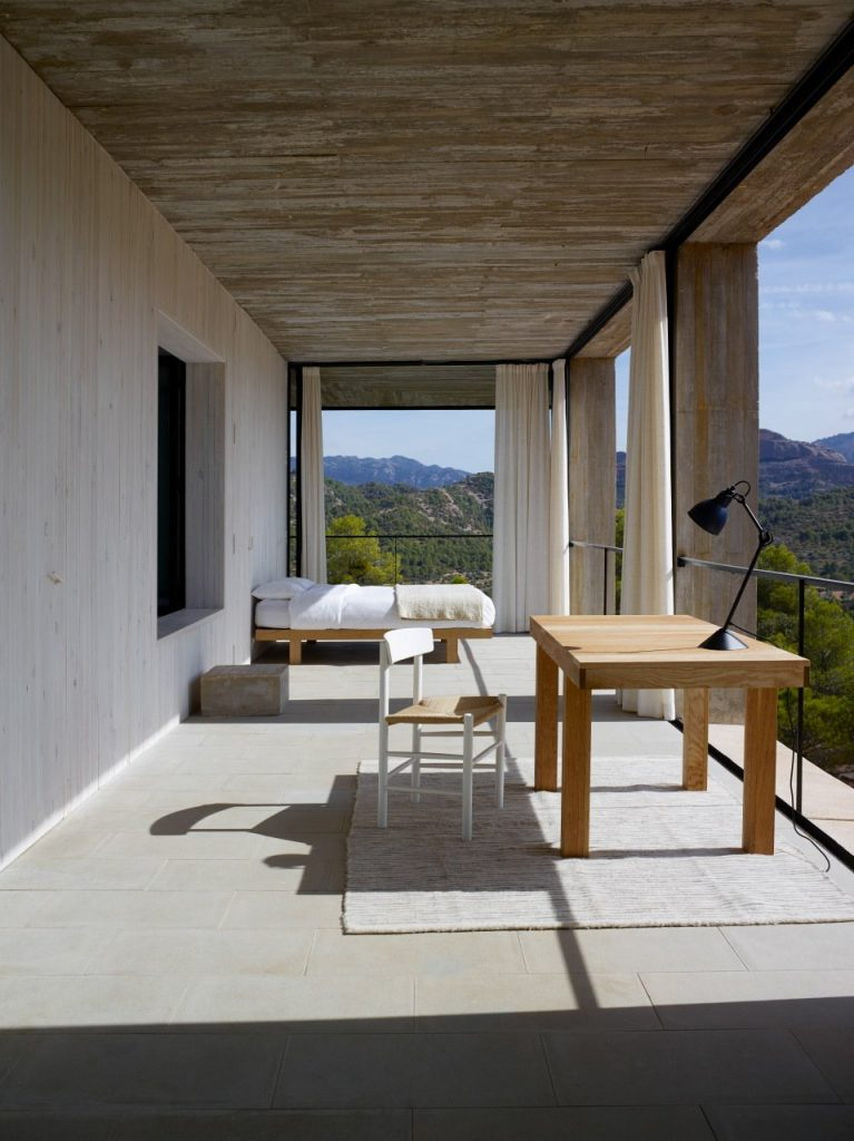 10-modern-concrete-houses(12)