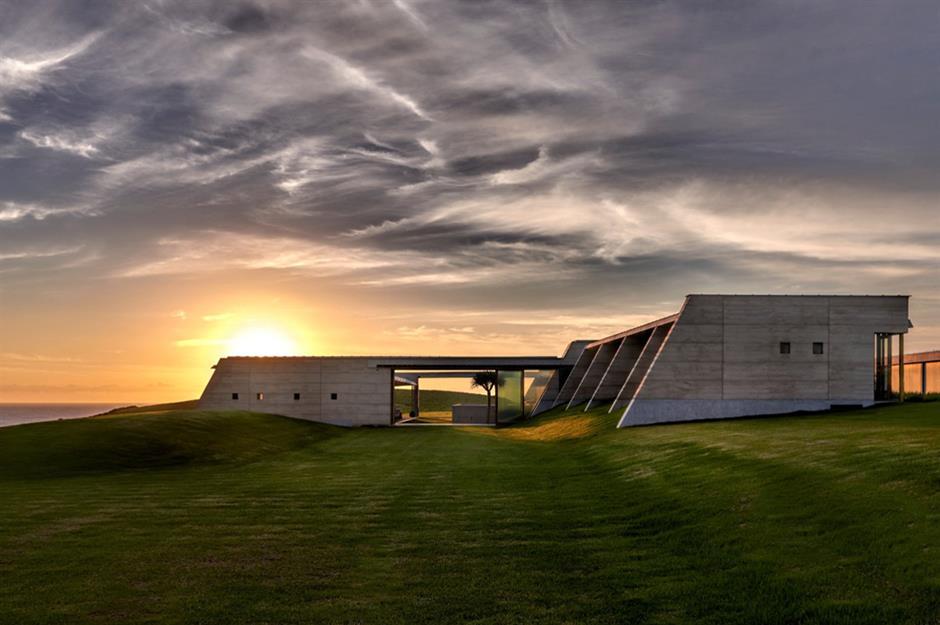 10-modern-concrete-houses(16)